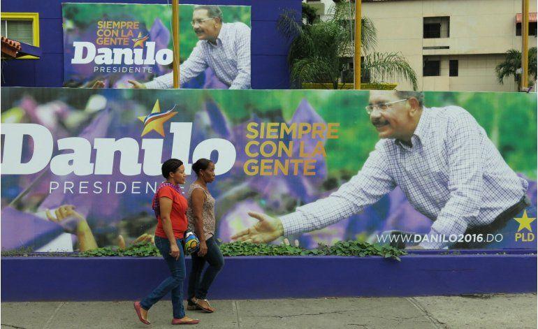 Medina, favorito en comicios ante oposición dividida en RD