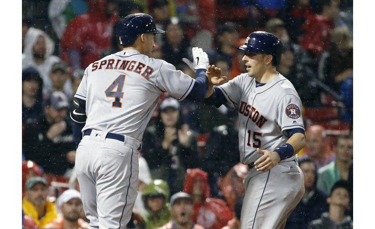 Astros ganan a Medias Rojas con jonrón de Springer