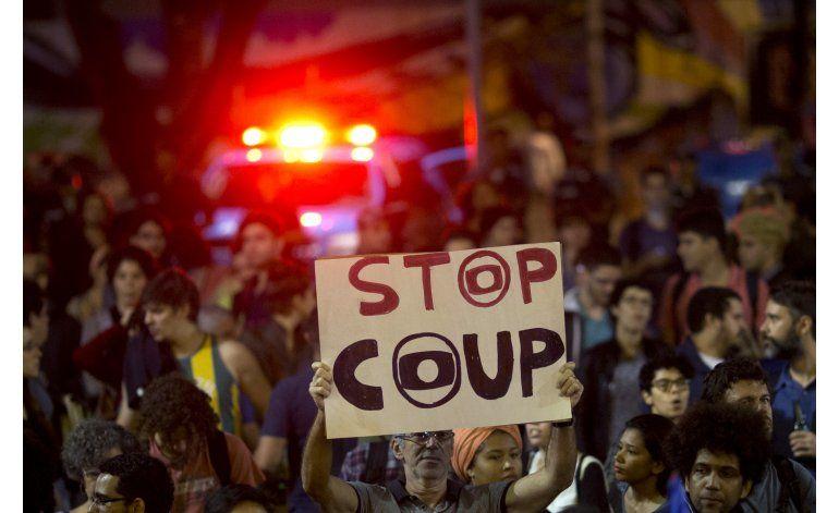 Venezuela retira a su embajador en Brasil