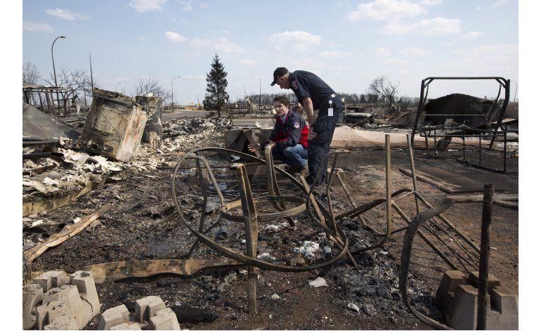 Trudeau recorre zonas afectadas por incendio Fort McMurray