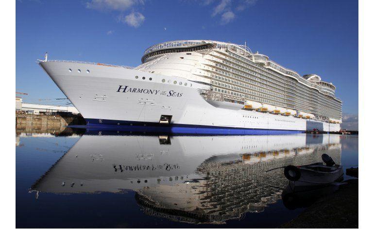 El barco crucero más grande del mundo zarpa de Francia