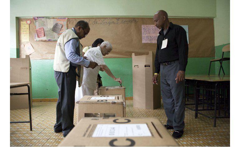 Dominicana: Medina mantiene tendencia del 62% de votos