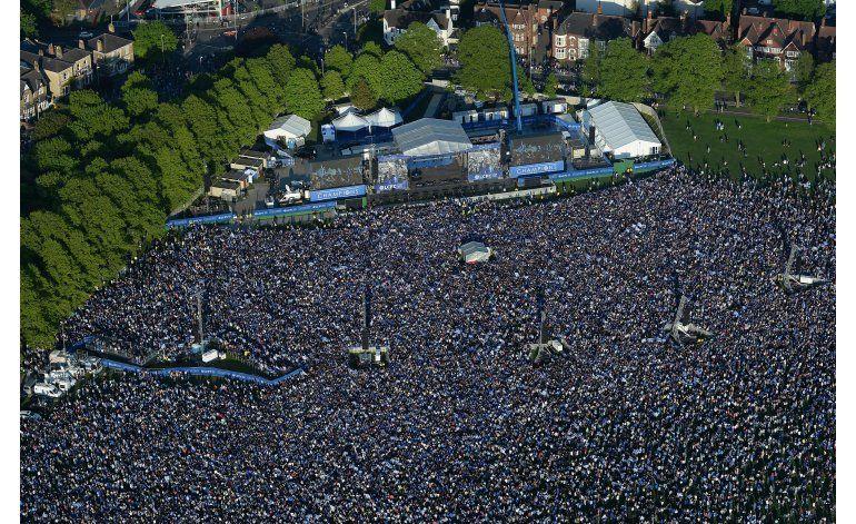 Unas 240.000 personas se unen a fiesta del Leicester