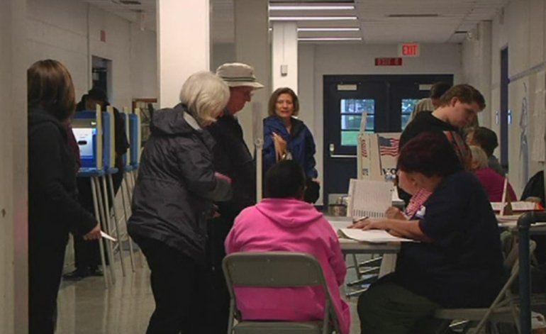 Republicanos y demócratas votan en el último súper martes