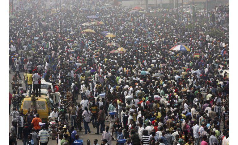 Caen precios del petróleo nigeriano ante ataques de milicias