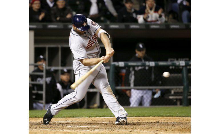 Con jonrón de Gattis en la 11ma, Astros se imponen