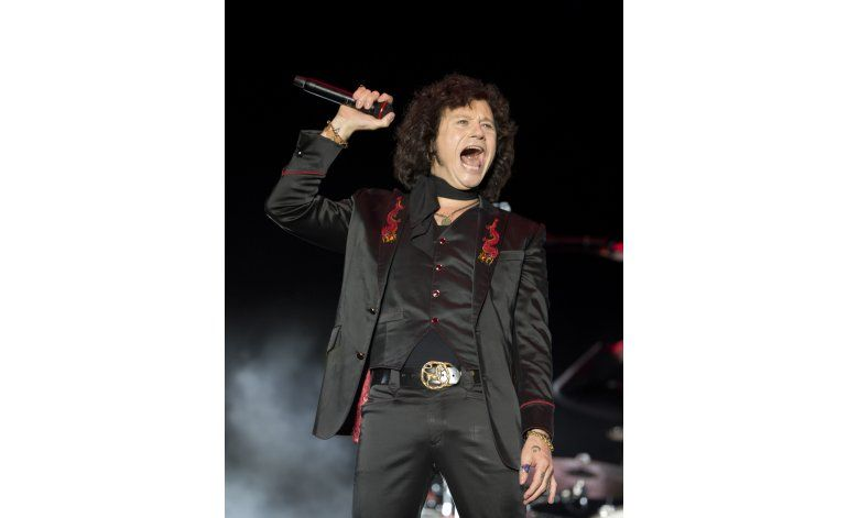 Enrique Bunbury se siente joven como el rock and roll