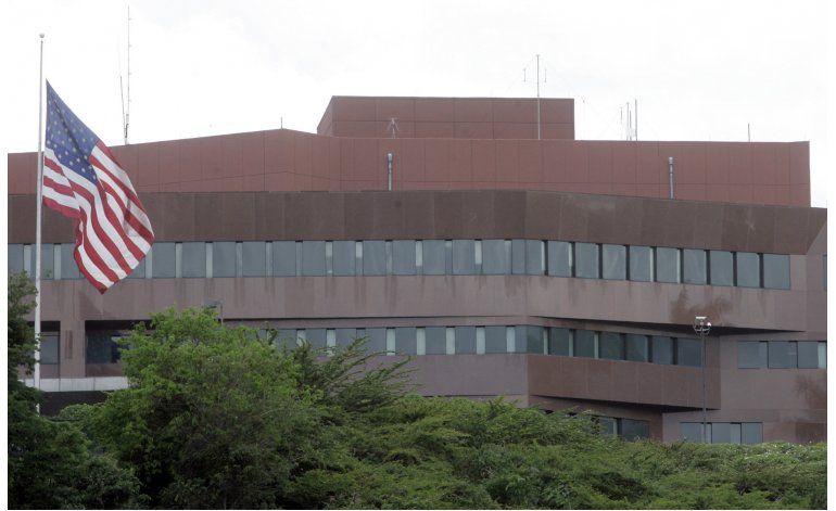 Embajada de EEUU suspende citas para visas a venezolanos