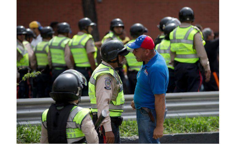 Protestas pro-referendo dejan heridos y detenidos