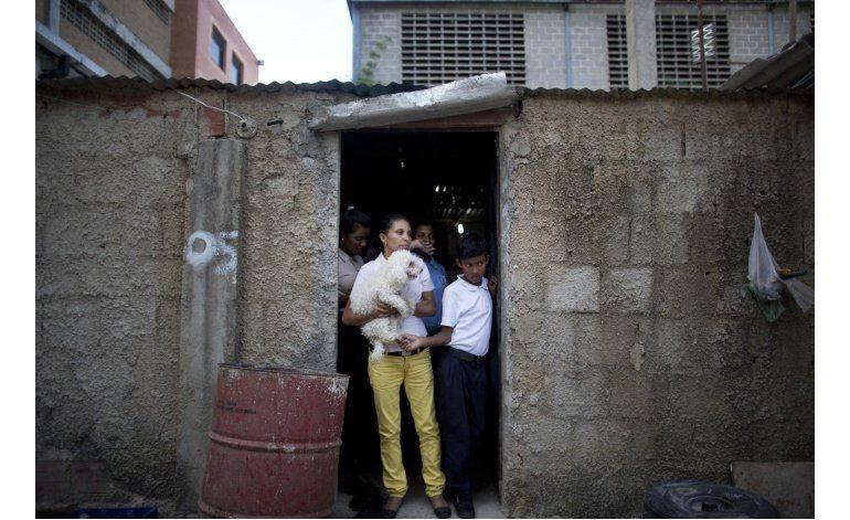 Lo queman vivo por robo de cinco dólares en Venezuela