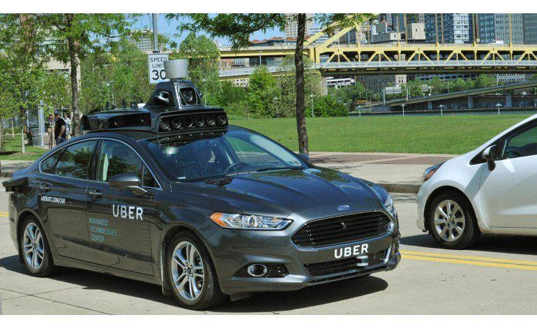 Uber prueba coches autónomos en calles de Pittsburgh