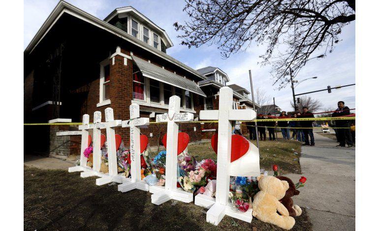 Arrestan a dos sospechosos de asesinar a familia en Chicago