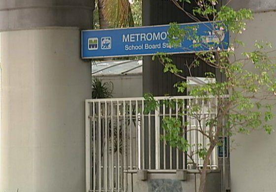 Balean a un hombre en estación de Metro Mover