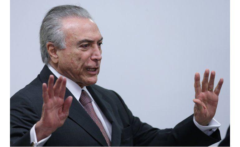 Presidente de Brasil promete incluir mujeres en su gabinete