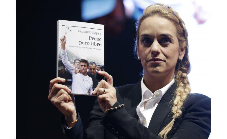 Presentan en Bogotá libro de líder opositor Leopoldo López