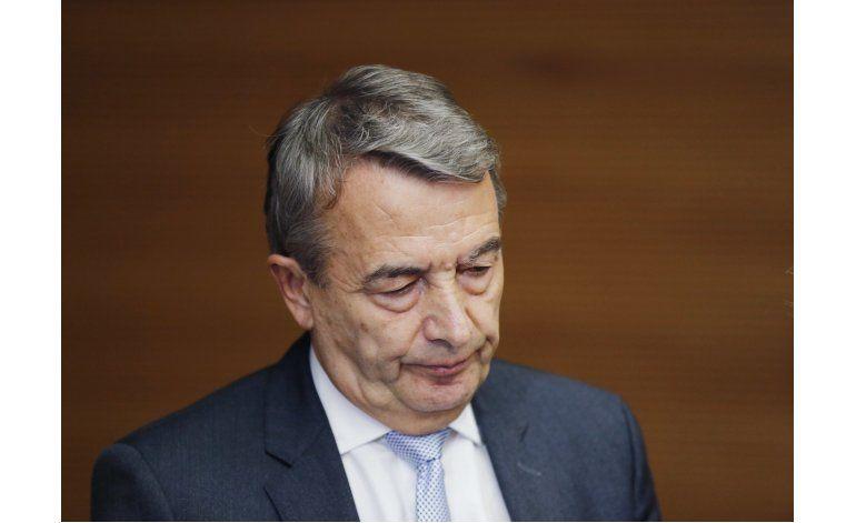 Jueces de FIFA piden sanción de 2 años para Niersbach