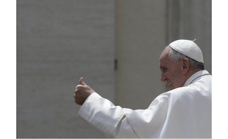 Papa advierte a obispos sobre nuevas órdenes religiosas