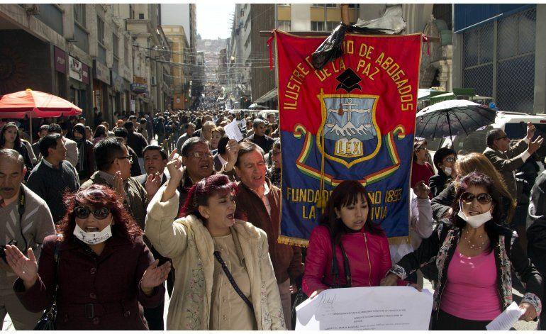 Abogados exigen independencia judicial en Bolivia
