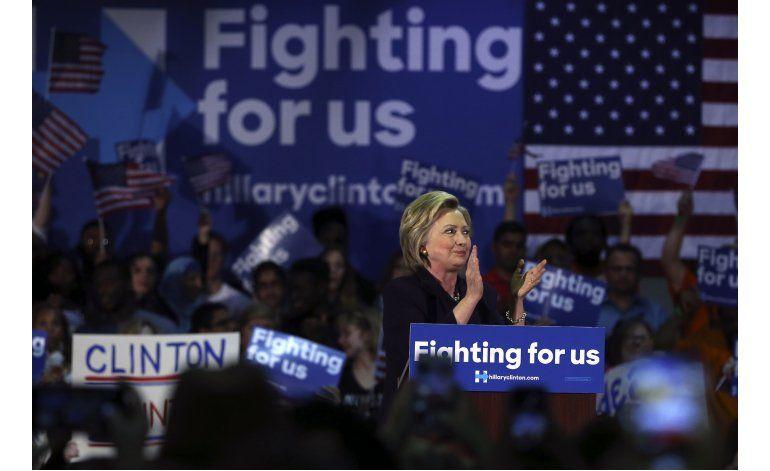 Trump y Clinton acentúan división en tema de armas