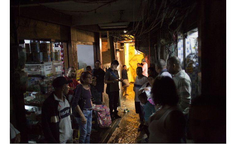 Intenso tiroteo causa pánico en barrio de Río de Janeiro