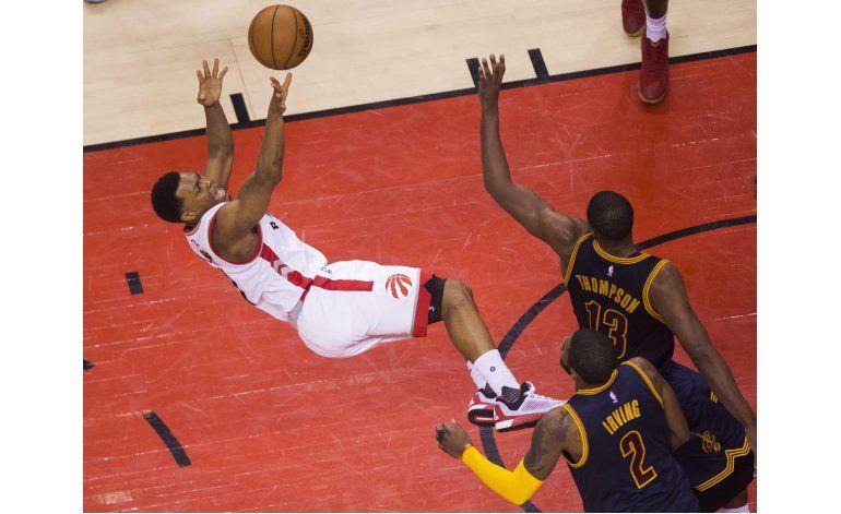 DeRozan y los Raptors frenan racha de Cavaliers en playoffs