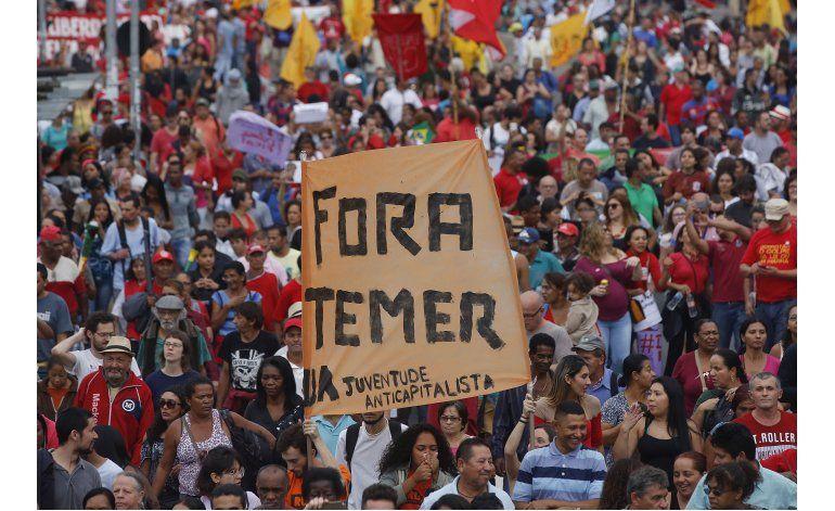 Protestan en Sao Paulo y Río contra presidente interino