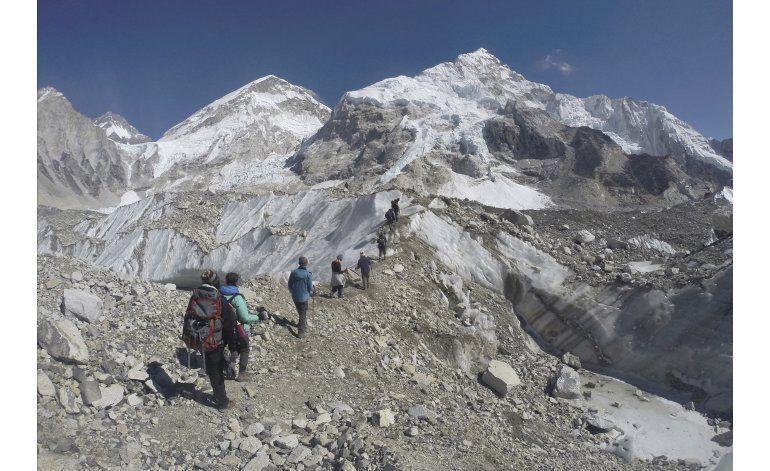 Muere montañista indio en Everest, el tercero en pocos días