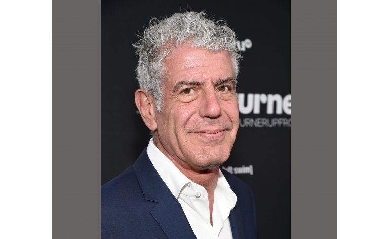 Obama cena con Anthony Bourdain para serie de CNN