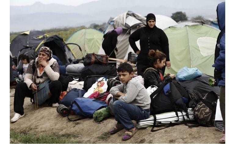 Grecia empieza a evacuar campo de refugiados de Idomeni