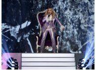madonna responde a las criticas sobre su homenaje a prince