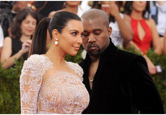 Kim Kardashian desea feliz aniversario a Kanye West