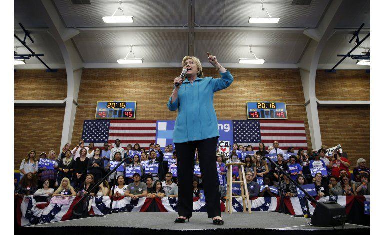 Clinton afirma que Trump lucró con crisis inmobiliaria