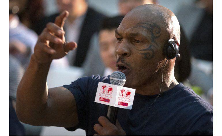 Tyson critica propuesta de profesionales en box de Río 2016