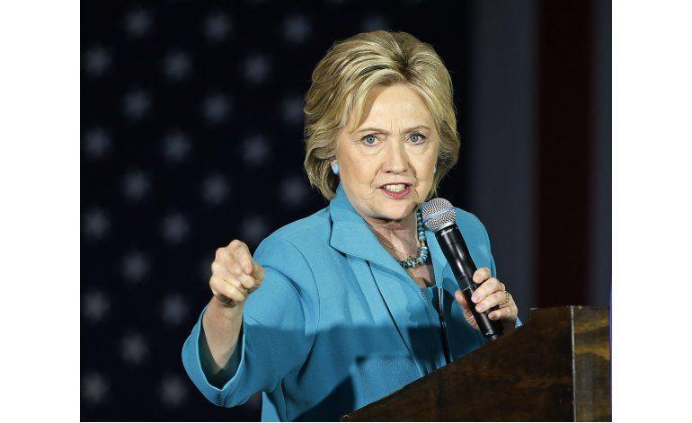 Auditoría oficial critica a Clinton por uso de emails