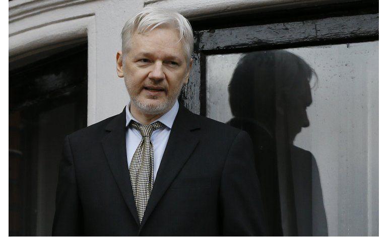 Tribunal sueco mantiene orden de detención contra Assange
