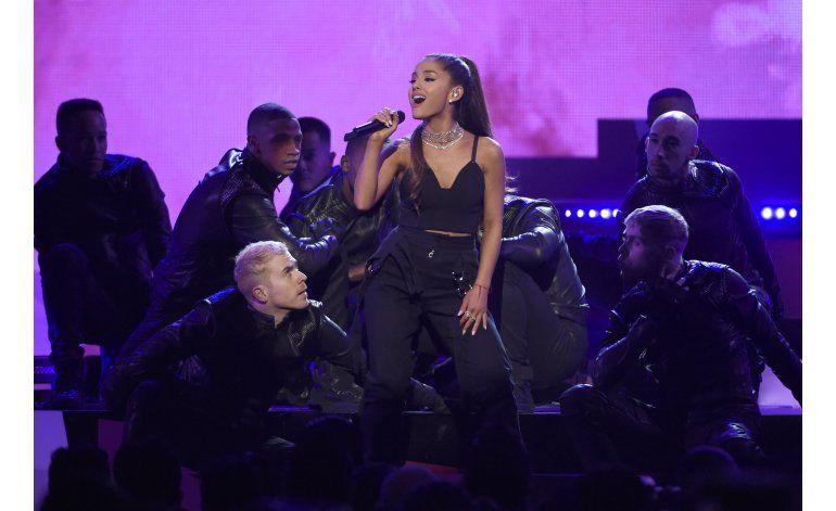 Ariana Grande reemplaza a holograma de Whitney Houston