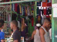 anuncio de llegalizacion de pequena y mediana empresa privada en cuba provoca diversas reacciones