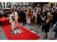 angelica maria devela su estrella en el paseo de la fama