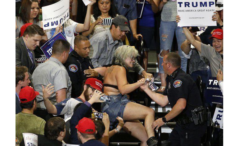 Autoridades: Revoltosos instigaron violencia contra Trump