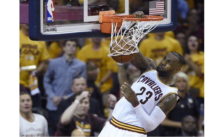 LeBron y Love, claves en la paliza de Cavaliers a Raptors