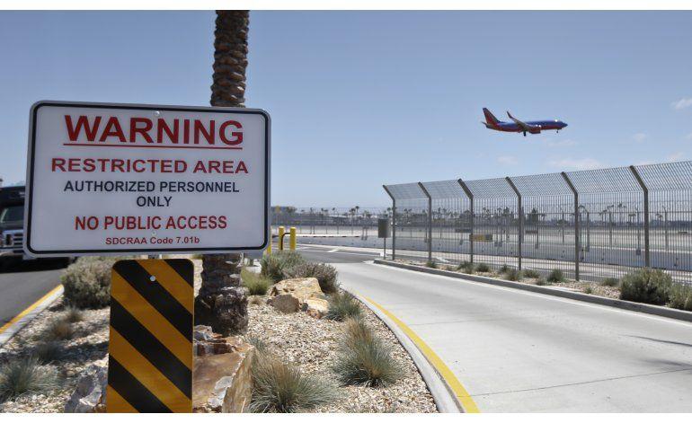 Investigación AP revela invasiones en aeropuertos de EEUU