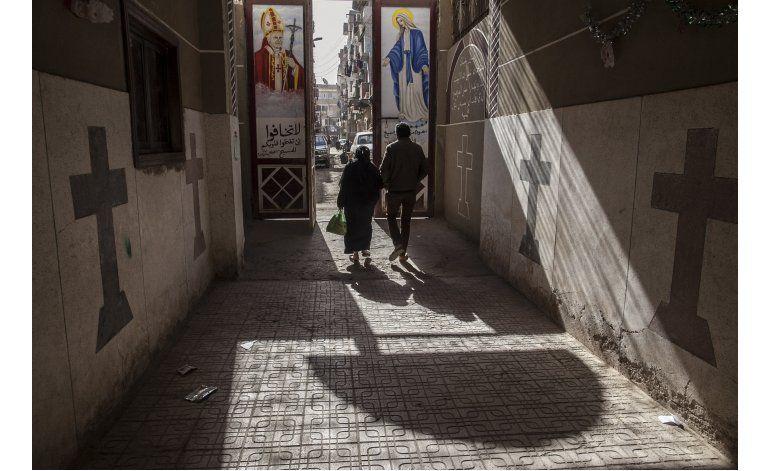 Turba musulmana ataca casas de cristianos coptos en Egipto