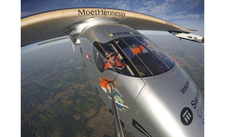 Avión impulsado por energía solar aterriza en Pennsylvania