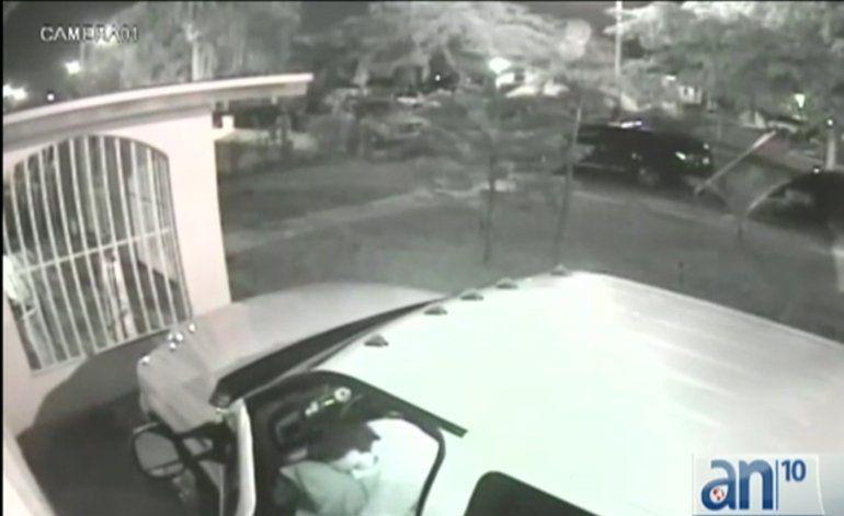 Una banda de ladrones roba una camioneta en la Pequeña Habana