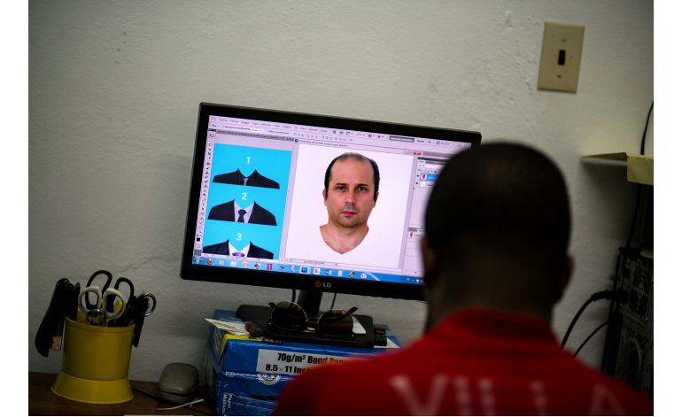 Nueva tendencia en fotos cubanas: trajes y blusas digitales