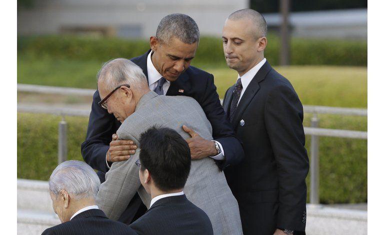 Obama abraza a sobreviviente de Hiroshima
