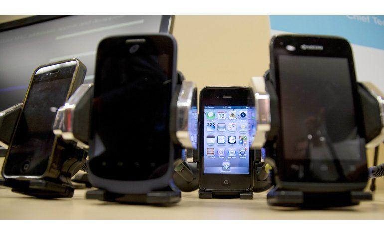 Cuestionan estudio que vincula uso de celulares con tumores
