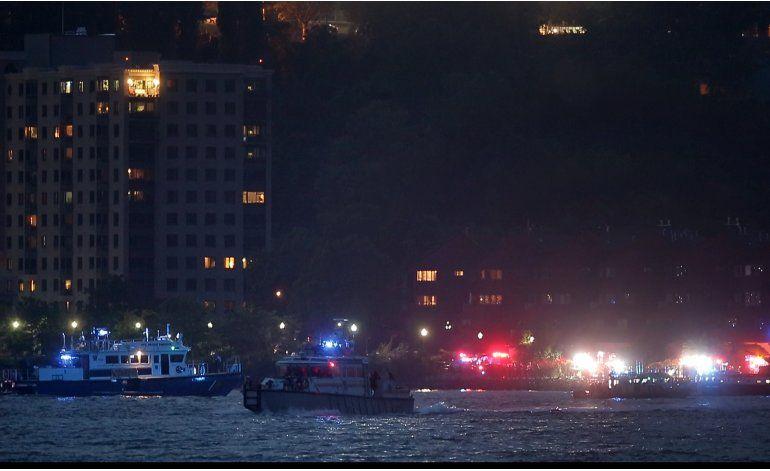 Se estrella avión en el río Hudson; hay un sobreviviente