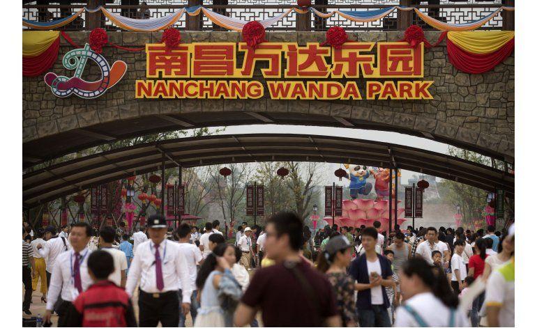 Promotora china abre parque de diversiones antes que Disney