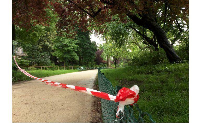 Niño en condición grave en París por golpe de relámpago